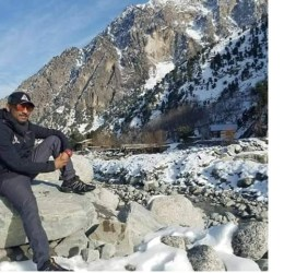Lahori paraglider falls to his death in Chitral