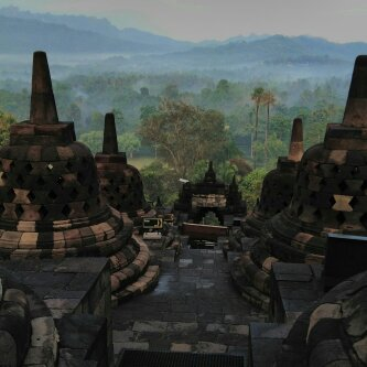 4 days 3 nights Jogja Dieng Sunrise Borobudur Tour