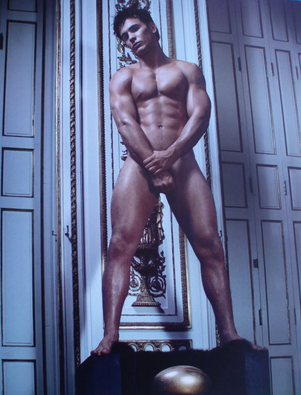 Roy caliente jin desnudo