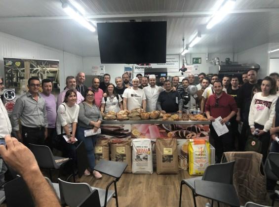 Foto de grupo en las instalaciones de Murcopan.