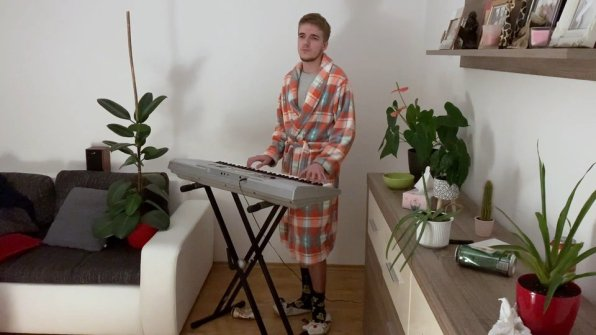 Komik Sans MC, Bratislavský Kaviár