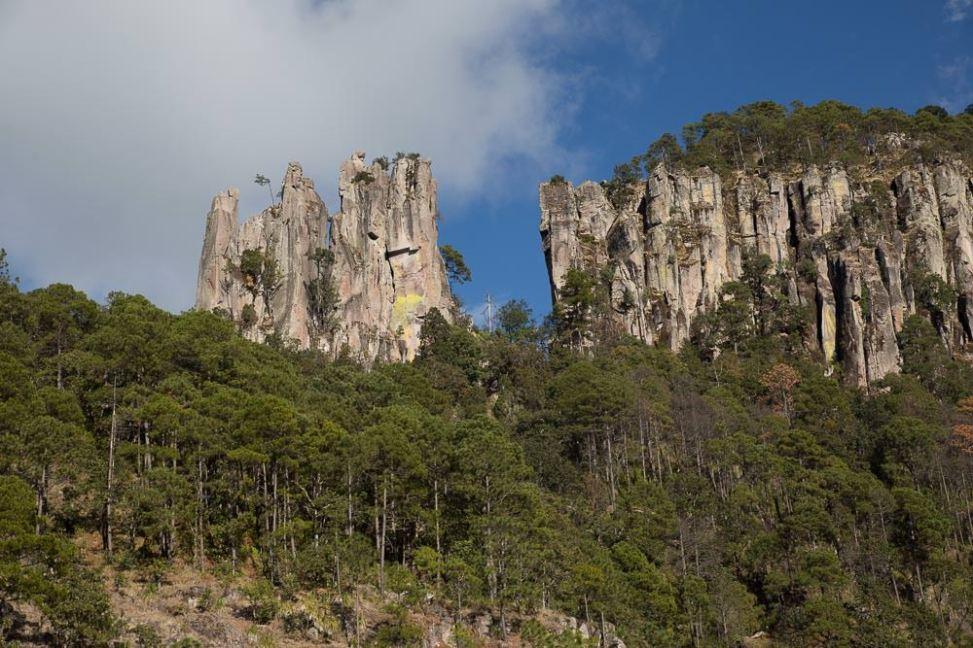 Scenery along el Espinazo del Diablo.