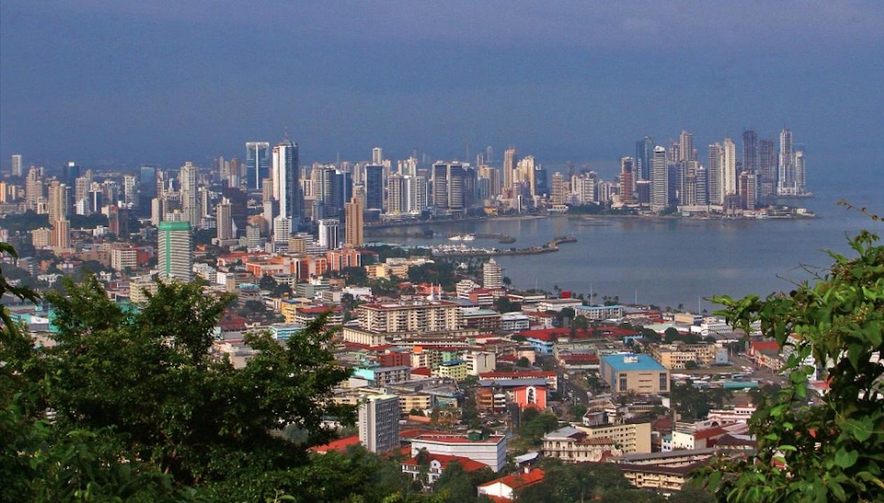 Ventajas de Adquirir Apartamentos y Casas Reposeídas en Panamá