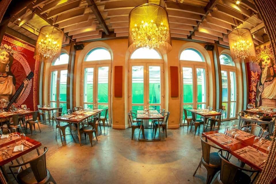 Elegant main hall of the Caliope Restaurant in Casco Antiguo