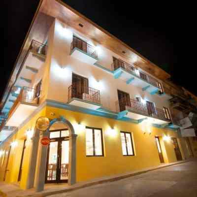 Tantalo Hotel, a Canvas for Artists in Casco Viejo