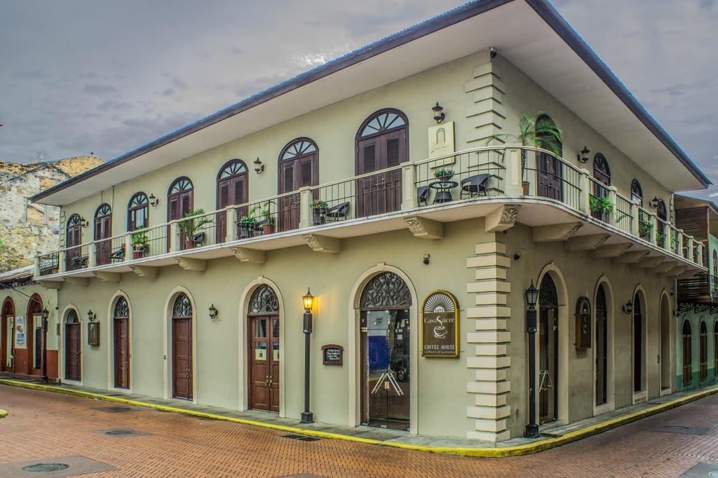 Casa Sucre Boutique Hotel is located on Calle 8 and Avenida B