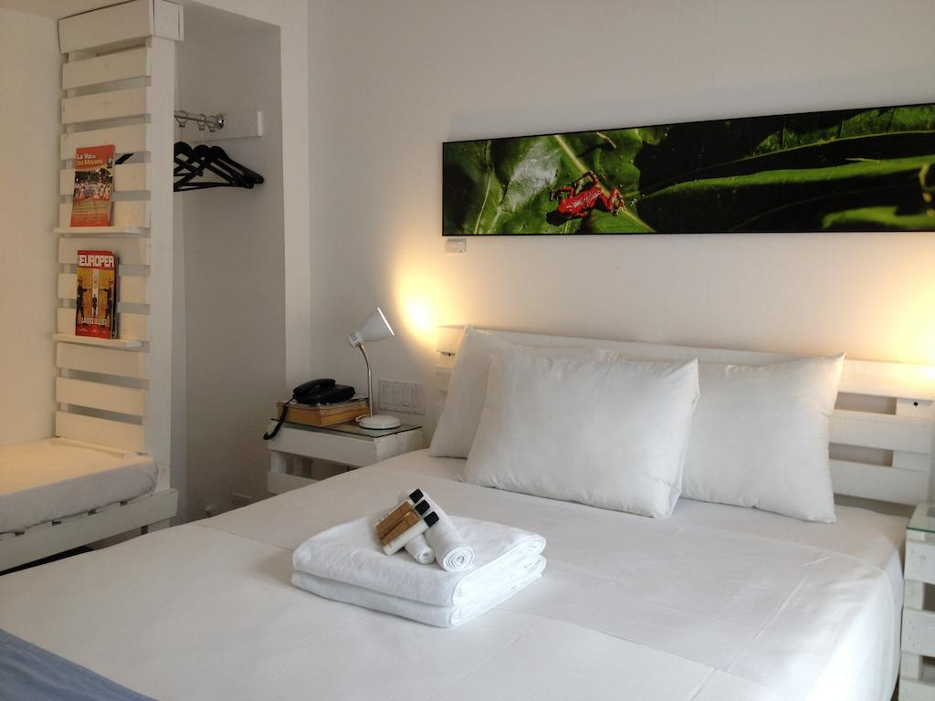 room at Gatto Blanco Party Hotel
