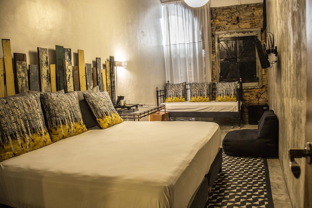 This room at hotel casa panama can sleep two adults and one child