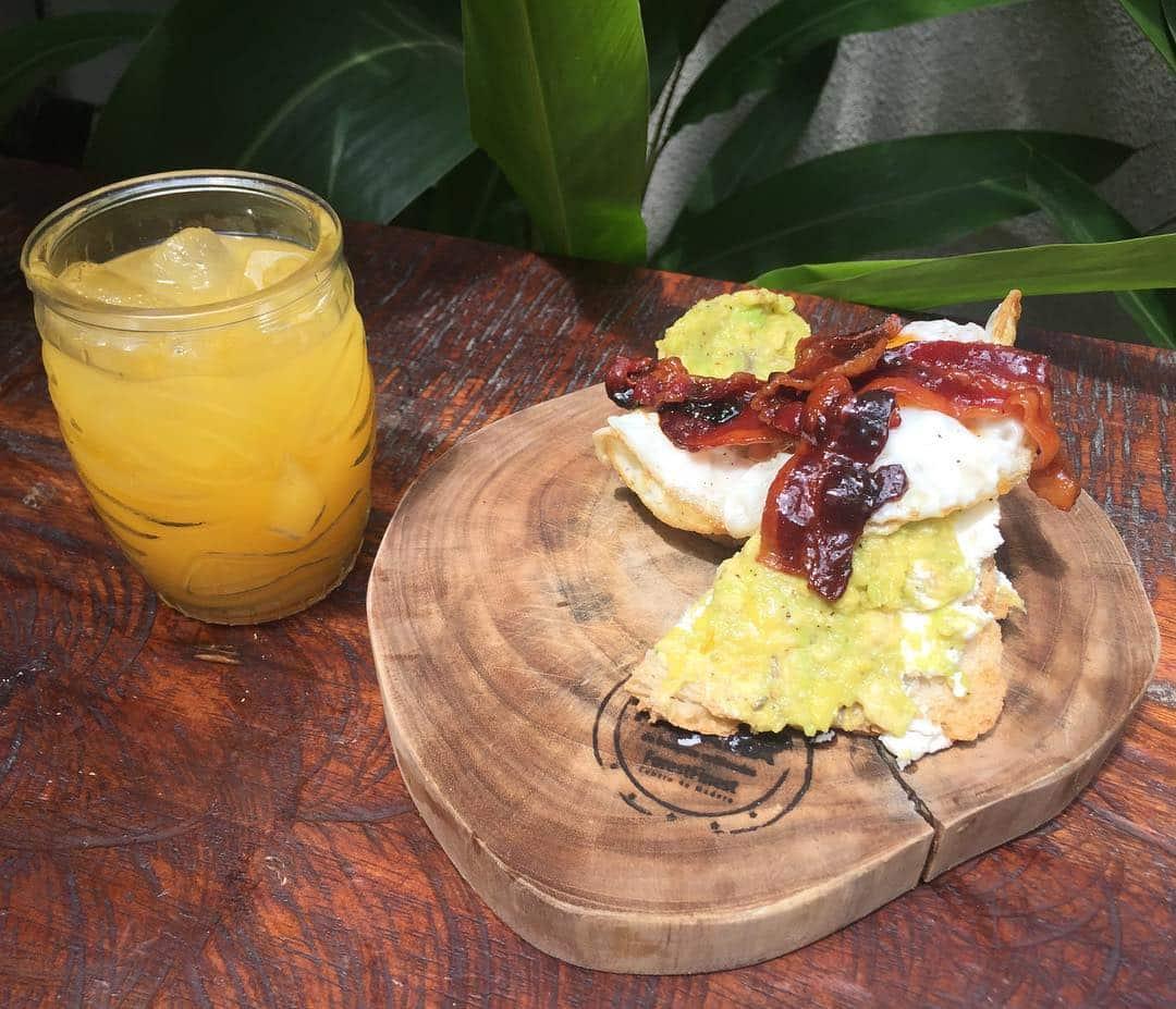 Avocado toast with bacon at Mahalo Casco Viejo