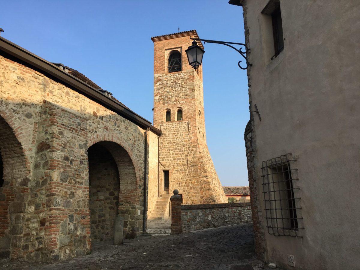 Oratorio SS Trinità e Loggia dei Vicari - Arquà Petrarca