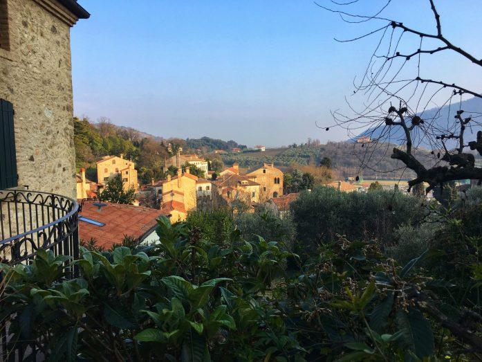 la vista salendo al borgo alto_Arqua Petrarca