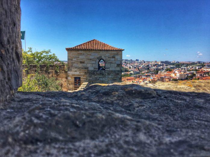 le torri del castello di sao jorge lisbona