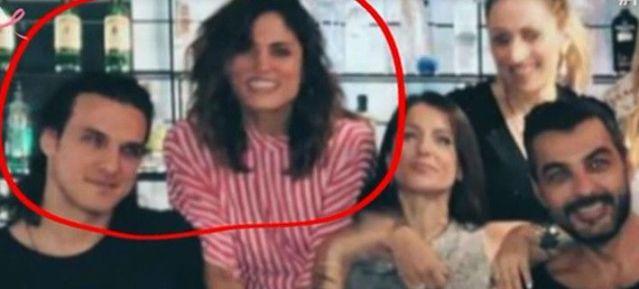 Αποκαλύφθηκε: ο νέος σύντροφος της Μαίρης Συνατσάκη είναι πρώην πασίγνωστης Ελληνίδας τραγουδίστριας! (ΒΙΝΤΕΟ) | panathinaikos24.gr