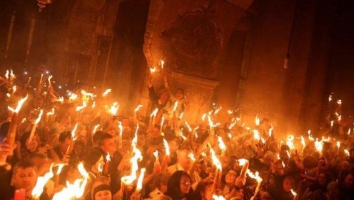 Γιατί η Αφή του Αγίου Φωτός γίνεται μόνο από τους Έλληνες   panathinaikos24.gr
