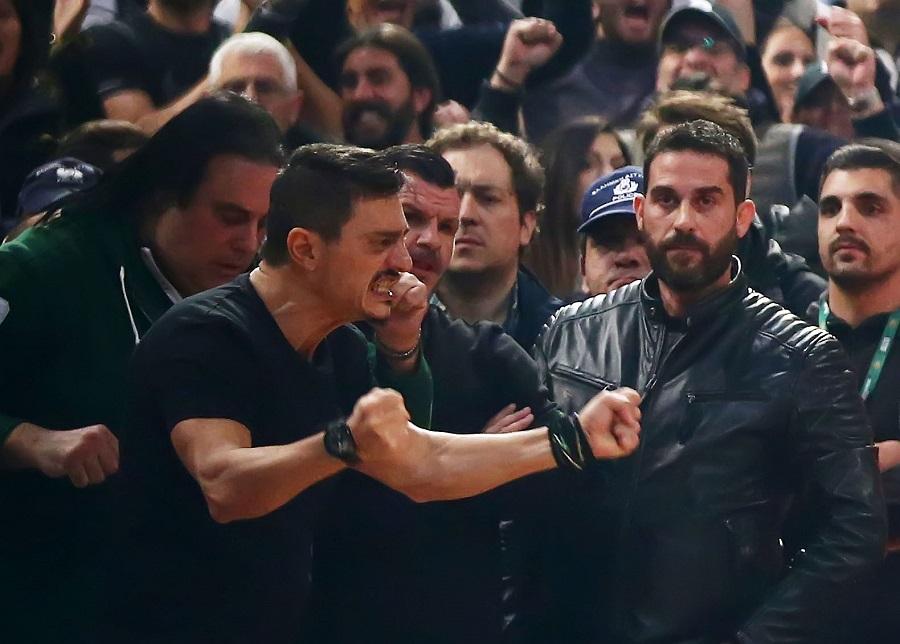 «Τρελάθηκε» ο Γιαννακόπουλος μετά τη λήξη του ντέρμπι (Pics) | panathinaikos24.gr