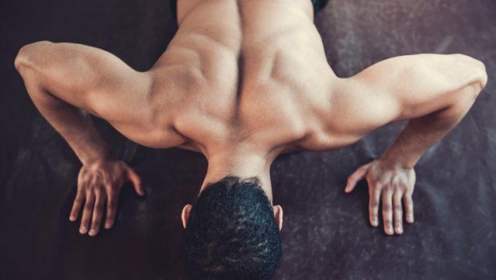 Χωρίς εξοπλισμό: 10 απλές ασκήσεις για να «πετρώσεις» στην καραντίνα σου (Vids) | panathinaikos24.gr