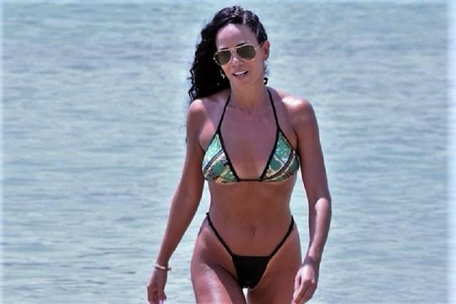 Η Κατερίνα Στικούδη με σέξι μπικίνι «παίζει» με τον φακό και ανεβάζει την θερμοκρασία στα ύψη! (vid) | panathinaikos24.gr