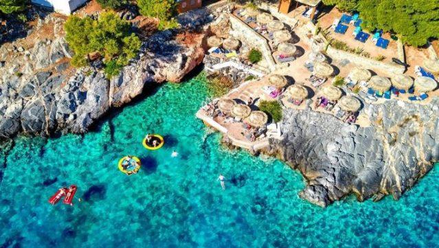 13 ευρώ εισιτήριο, φτάνεις σε 55': Το πιο οικονομικό και ασφαλές νησί που δεν θα σου λείψει τίποτα | panathinaikos24.gr