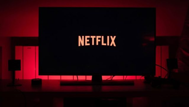 Δικαίωση Μπογδάνου: Αυτές είναι οι 7 σκηνές του Netflix με τα κρυφά νεομαρξιστικά μηνύματα (Pics) | panathinaikos24.gr
