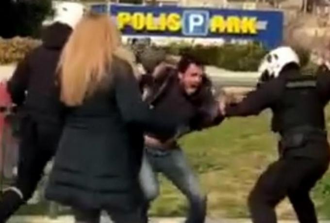 Νέα Σμύρνη: Σε διαθεσιμότητα ο αστυνομικός για τον ξυλοδαρμό του 29χρονου φοιτητή | panathinaikos24.gr
