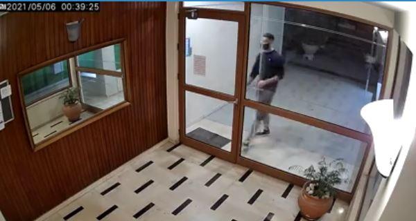 Δικηγόρος 22χρονου επιδειξία: «Εγώ δεν βλέπω στο βίντεο ανδρικό μόριο»   panathinaikos24.gr