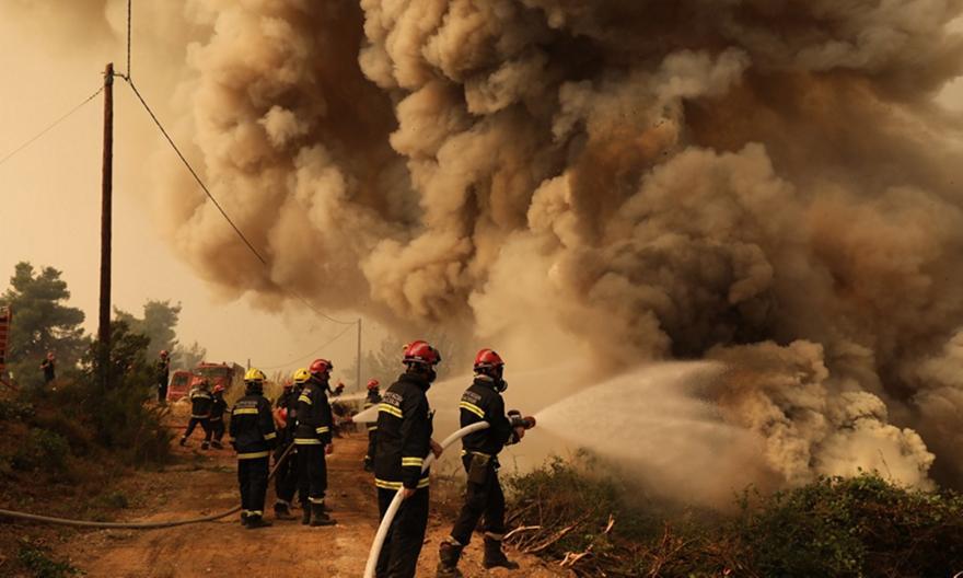 Εφιάλτης δίχως τέλος: Εκκενώνεται η Αβγαριά, τιτάνια μάχη για να μη φτάσει η φωτιά στην Ιστιαία! | panathinaikos24.gr