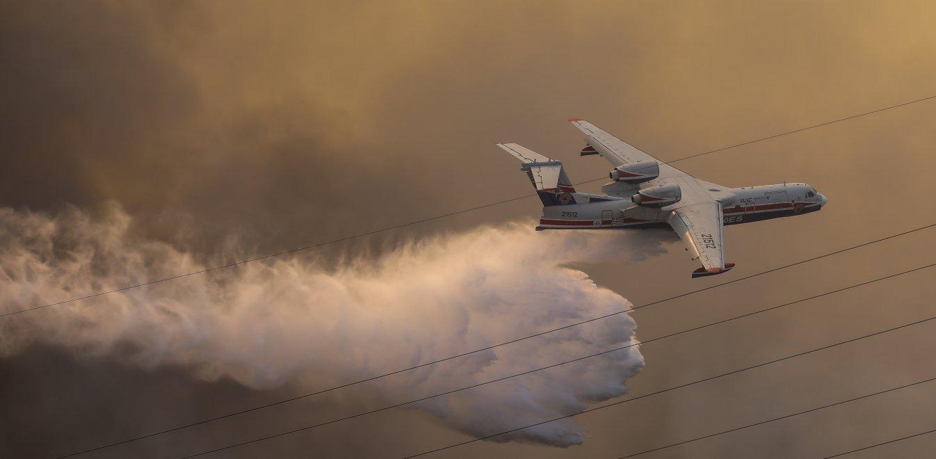 Απίστευτο: Ο λόγος που τα Canadair επιχειρούν τόσο αραιά στη Βαρυμπόμπη | panathinaikos24.gr