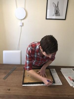 faire des gabarits papier pour créer un mur de cadres