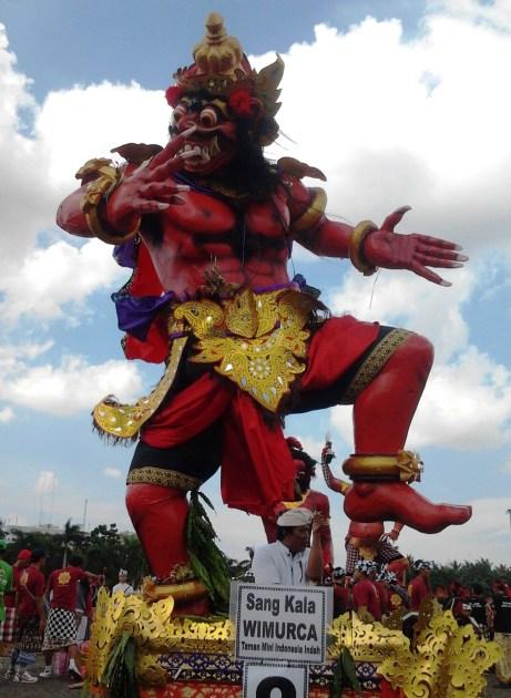 MELIRIK OGOHOGOH DI JAKARTA SAAT NGERUPUK 2012 Part 2