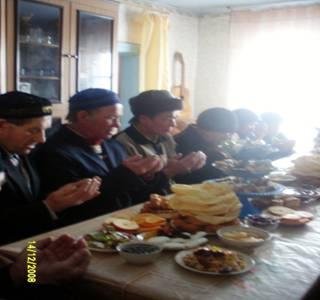 Картинки по запросу анимашки татары едят бишбармак