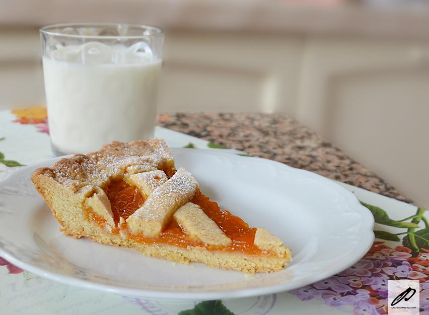 Crostata morbida alle albicocche
