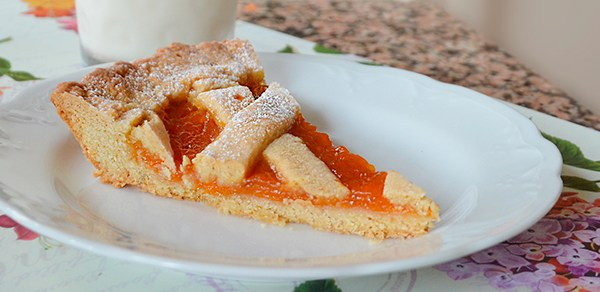 Crostata morbida di albicocche