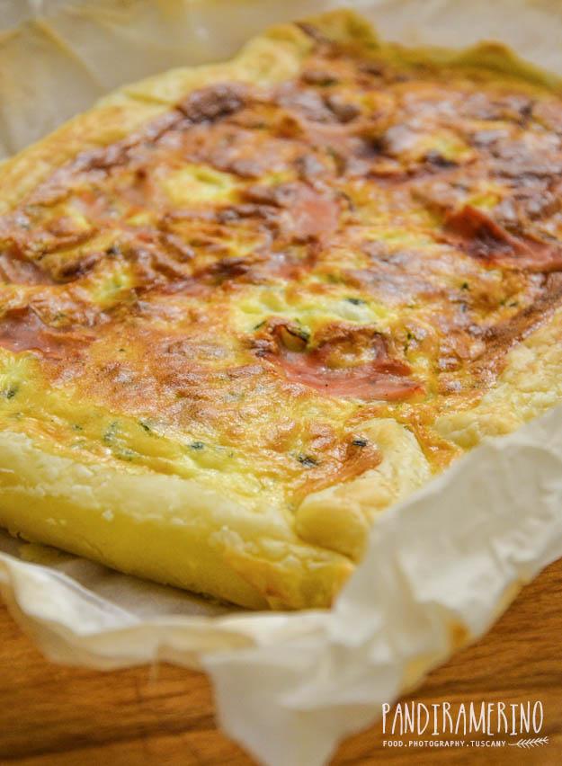 torta salata con pasta sfoglia panna e speck