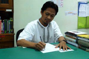 Penulis Novel Islam Terkenal di Indonesia