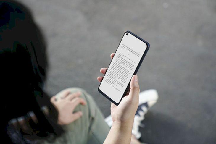 Cara Baik Membaca di Smartphone