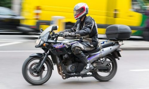 https://andrewbutler.net/wp-content/uploads/2015/08/London-motorbike-pan-photo-L1037339.jpg