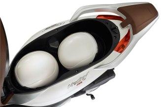 Piaggio-Medley-S150-ABS-seatbox