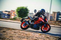 KTM 390 Duke MY17_Action 02