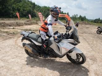 batch_KTM_riding_course-chris_birch_pandulaju38