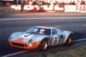 1968-ford-gt4-le-mans-1