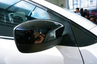 Volkswagen Polo Black & White-7