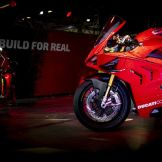 ducati-panigale-v4r-lego-real-size-12