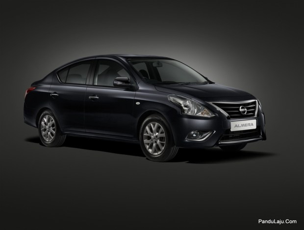 03 New Nissan Almera_Diamond Black_Side