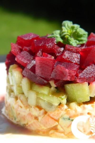 Tartare di verdure senza glutine. Un antipasto fresco e goloso.
