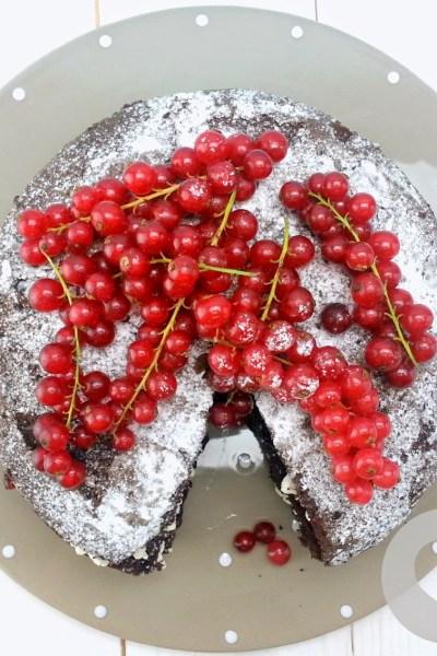 VICTORIA SPONGE CAKE AL CIOCCOLATO FARCITA, NATURALMENTE SENZA GLUTINE