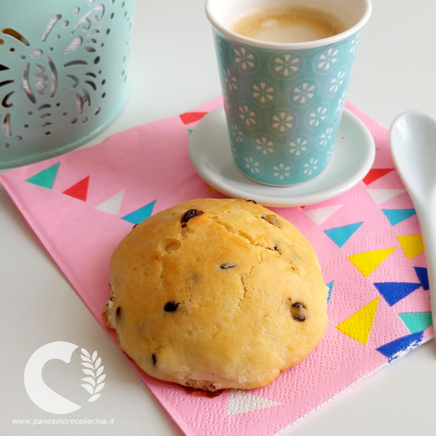 Pangoccioli senza glutine: i panini al cioccolato da colazione