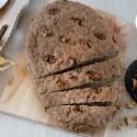 Focaccia integrale senza glutine alle noci, senza impasto.