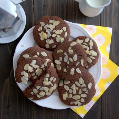 Biscotti al cioccolato e mandorle