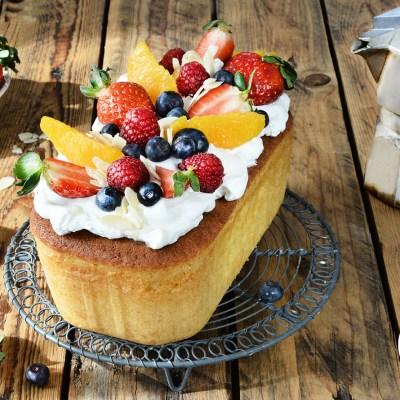 Plumcake allo yogurt naturalmente senza glutine
