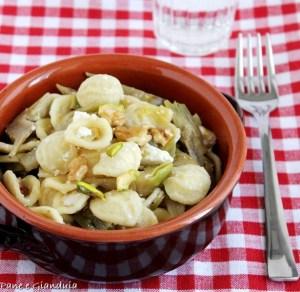 Orecchiette ai carciofi con pistacchi e noci